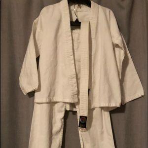 Karate Uniform Unisex Size 00 Ages 4-6